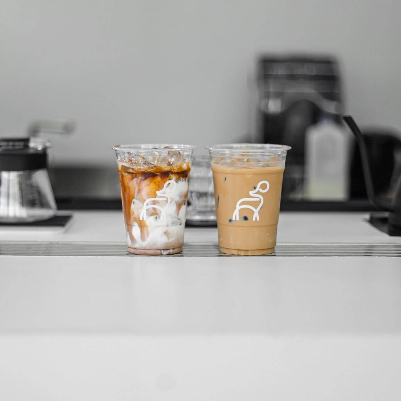 สกรีนแก้วกาแฟ ร้าน DEC Cafe